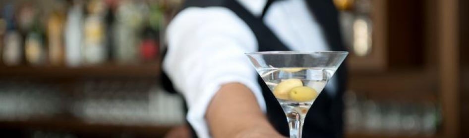 Five Tips to Hire the Best Bartender in Texas